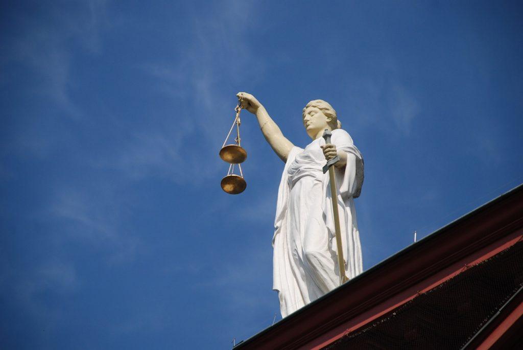 case law 677940 1280 1024x685 - Warum starb Jesus?
