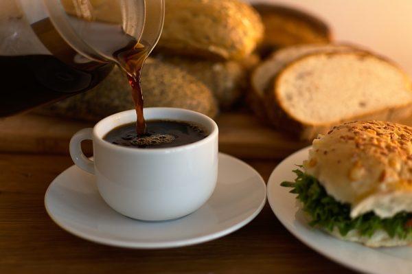 coffee 722270 1280 600x399 - Frauenfrühstück am Samstag den 26.10. um 9 Uhr