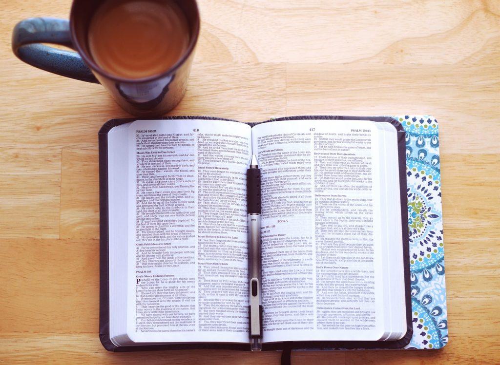 book 2617987 1280 1024x749 - Bibelunterricht für die Jugend
